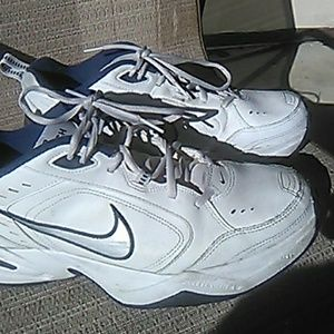 Like New Condition Nike Monarch